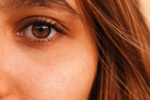 脂肪吸引は顔のたるみをどう解消できるのか?たるみは顔のどの部分に起こりやすい?