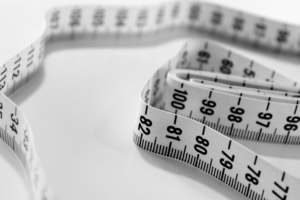 脂肪吸引とBMIはどういう関係があるのか?BMIが高いと脂肪吸引はできないのか?
